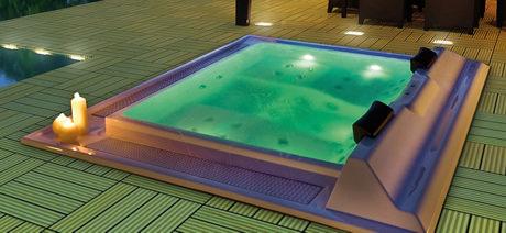 Whirlpool outdoor  Whirlpool-Badewanne & Outdoor-Whirlpools - Relagio.de